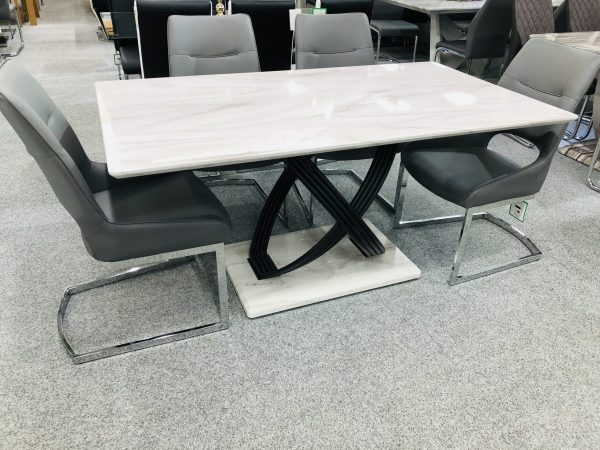 Catania Dining Table with 4 Catania Dining Chairs