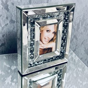 Floating Crystal Medium Photo Frame